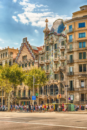 BARCELONA - AUGUST 9: Facades of the modernist masterpieces Casa Batllo and Casa Amatller, iconic landmarks in Passeig de Gracia, Eixample district of Barcelona, Catalonia, Spain, on August 9, 2017 Redakční