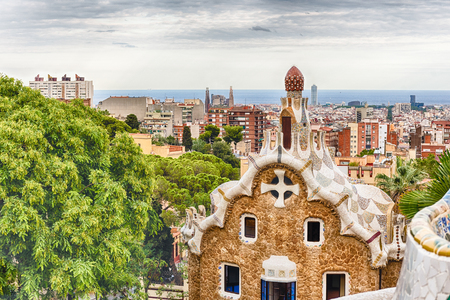 Scenic aerial view from the iconic main terrrace of Park Guell in Barcelona, Catalonia, Spain Banque d'images