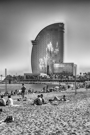 BARCELONA - AUGUST 10: W Barcelona hotel, aka Hotel Vela, designed by Loredana Gengler and located in the Barceloneta district, waterfront of Barcelona, Catalonia, Spain, as seen on August 10, 2017 Éditoriale