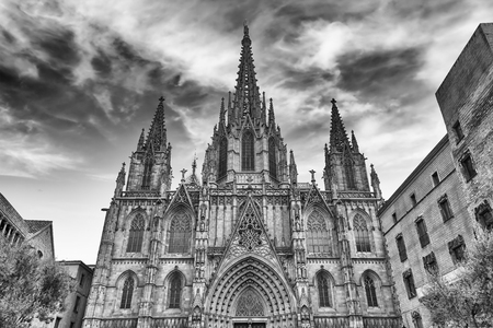 Scenic facade of the gothic Cathedral of the Holy Cross and Saint Eulalia, aka Barcelona Cathedral, Catalonia, Spain Banque d'images