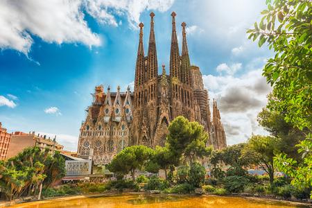 2017 年 8 月 9 日にバルセロナ - 8 月 9 日: 観、サグラダ ・ ファミリアは、バルセロナ、カタルーニャ、スペインの象徴的なランドマーク。ガウディに 報道画像