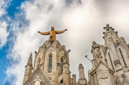 Église expiatoire du Sacré-C?ur de Jésus, une église catholique romaine et une basilique mineure située au sommet du Mont Tibidabo à Barcelone, Catalogne, Espagne