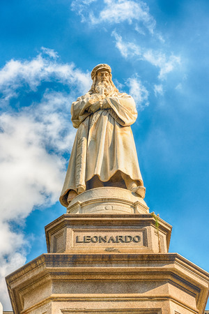 Statue of Leonardo da Vinci in Piazza della Scala, Milan, Italy Stock Photo
