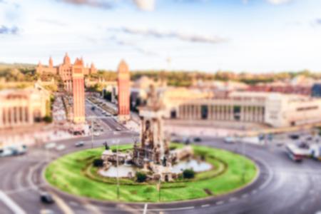 Fond défocalisé de la Plaça d'Espanya, point de repère à Barcelone, Catalogne, Espagne. Post-production intentionnellement floue pour l'effet bokeh
