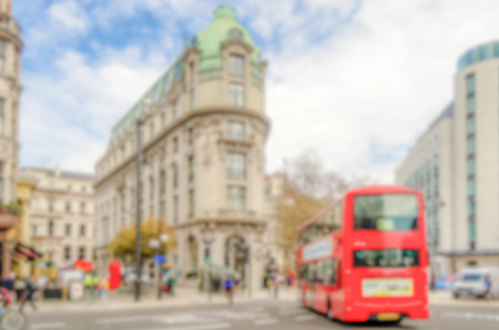 Defocused background of the Strand in London. Intentionally blurred post production for bokeh effect Stockfoto - 113950112