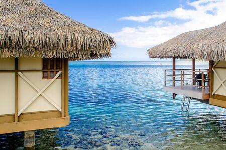 Overwater bungalows in Moorea, French Polynesia Stockfoto