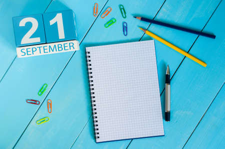 ceasefire: September 21st. Image of september 21 wooden color calendar on white background. Autumn day. Empty space for text. International Day of peace, World Peace DAY. Stock Photo