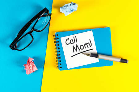 Call Mom - A message asking or reminding you to call your mom. Parenting Concept Stok Fotoğraf