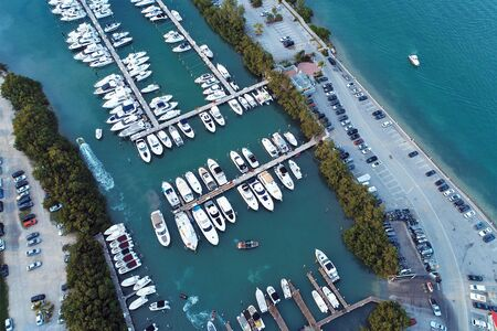 Aerial view of sunset in the Biscayne bay, Miami, United States. Great landscape. Vacation travel. Travel destination. Tropical scenery. 版權商用圖片