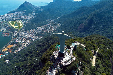 Aerial view of Redeemer Christ in the Rio de Janeiro, Brazil. Great landscape. Famous wonderful city. Travel destination. Tropical travel. Vacation destination. 新聞圖片