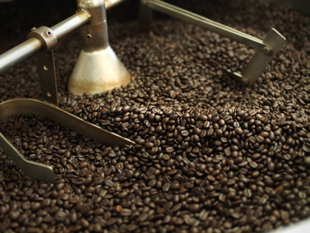 coffee machine: coffee beans in roast machine