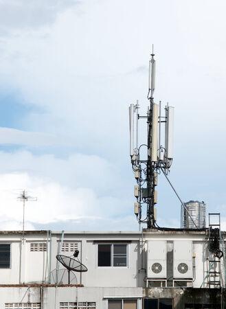 telecoms: Telecoms Aatenna sul tetto del palazzo