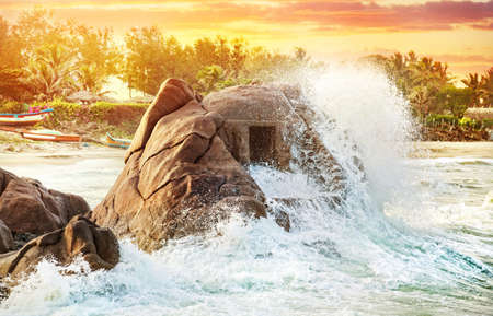 mamallapuram: Ancient cave in the ocean at Mamallapuram beach, Tamil Nadu, India Stock Photo