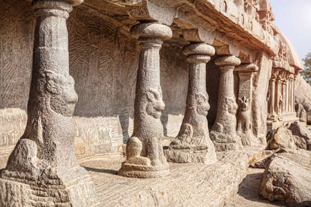 mamallapuram: Columns with mythological animal at Five rathas temple complex in Mamallapuram, Tamil Nadu, India Stock Photo
