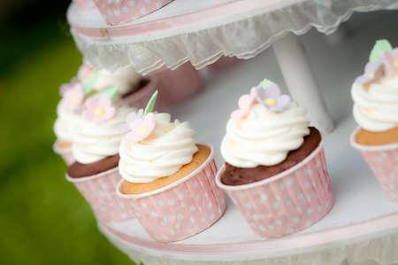 cake decorating: Cupcake dulce Foto de archivo