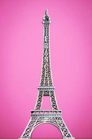 Eiffel-Modell auf rosa Hintergrund Lizenzfreie Bilder