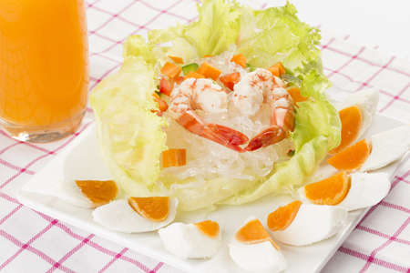Yam wun sen, thai mung bean noodle salad Stock Photo - 17236066