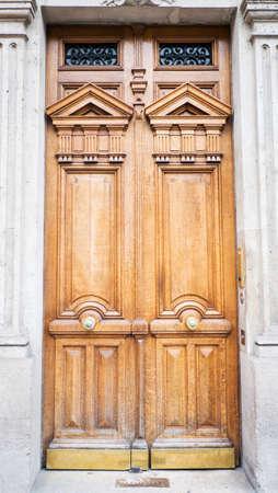 Wooden door Stock Photo - 22977750