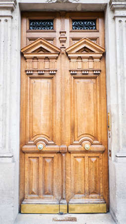 Wooden door Stock Photo - 22977750