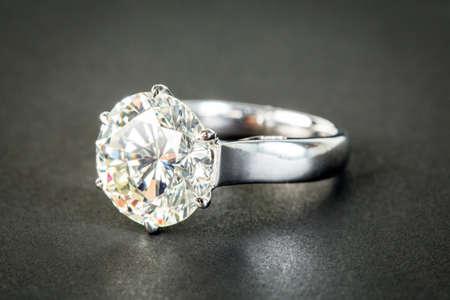 anillo de compromiso: Anillos de boda