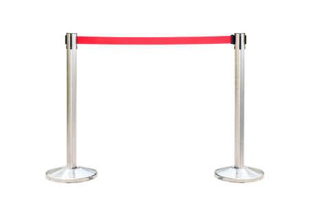 Edelstahl Barrikade mit roten Seil auf weißem Hintergrund isolieren