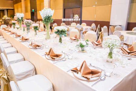 結婚式のテーブルの設定