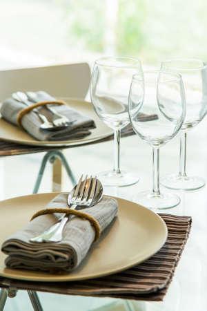 empty: Empty glasses in restaurant