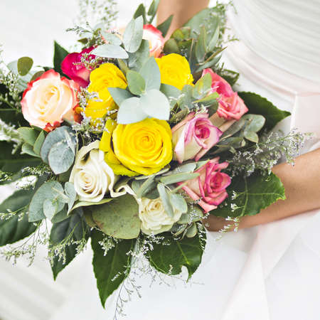 bouquet di fiori: Wedding bridal bouquet. Flowers for the newlyweds.