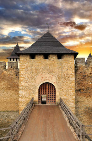drawbridge: Old castle door and drawbridge Editorial