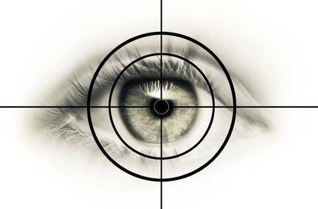 Young Eye dans la ligne de mire