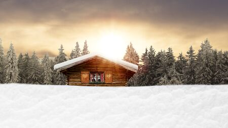 rustic ski hut in the mountains Banque d'images