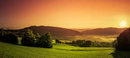 atmospheric sunrise in the Bavarian Forest Zdjęcie Seryjne