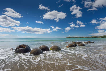geological feature: Unique geological feature of New Zealand the Moeraki Boulders