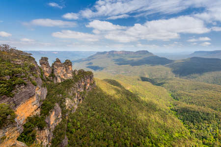 three sisters: The Three Sisters in the Blue Mountains, New South Wales, Australia