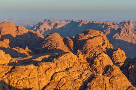 monte sinai: Vista desde el Monte Sinaí en la madrugada, Egipto