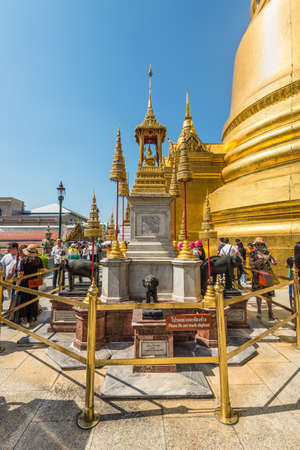 Bangkok, Thailand - December 7, 2019: View of the Phra Bussabok in a temple complex in Bangkok, Thailand. Phra Bussabok consists of four pillars that are enclosed by elephant statues. 新聞圖片