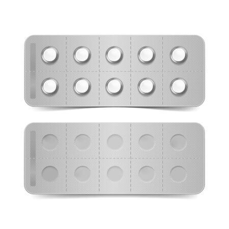 a tablet blister: Pack of Pills Isolated on White
