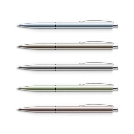 ball pens stationery: Vector Conjunto de blanco Plumas multicolores de metal Vectores
