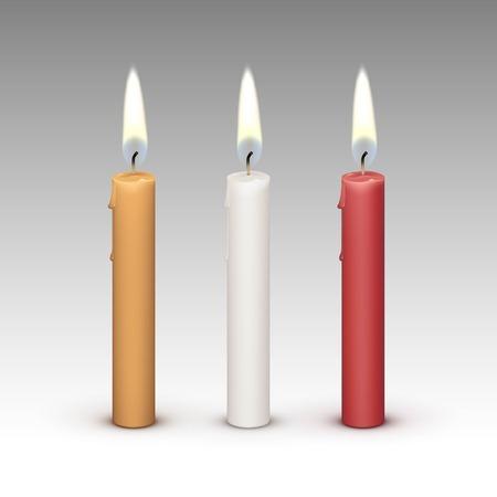 flames: Velas luz de la llama fuego aislado en el fondo