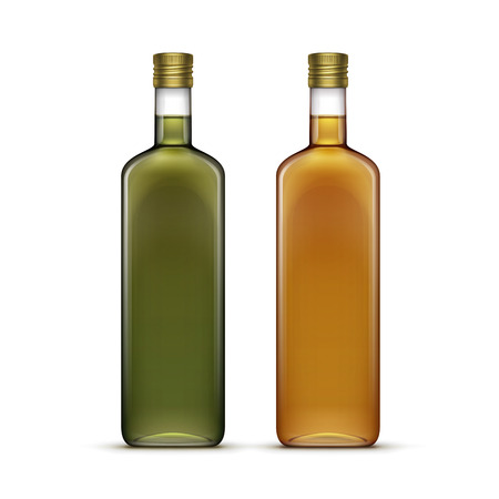 bebidas alcoh�licas: Vector Conjunto de alcohol Bebidas alcoh�licas Bebidas whisky o de girasol Aceite de oliva Botellas de vidrio aislado sobre fondo blanco