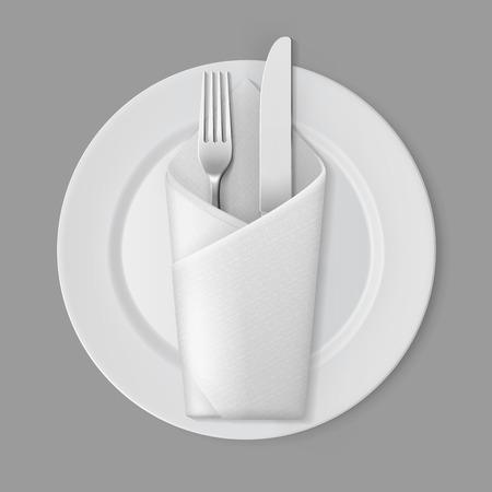 Vector Blanc Empty Flat Plate ronde avec Argent Fourchette et couteau et blanc Plié enveloppe serviette Vue de dessus isolé sur fond. préparation de table Vecteurs