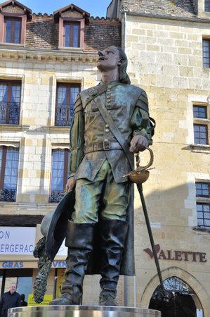 mosquetero: Francia, Aquitania, Dordo�a (24), Bergerac, Cyrano de Bergerac estatua Editorial
