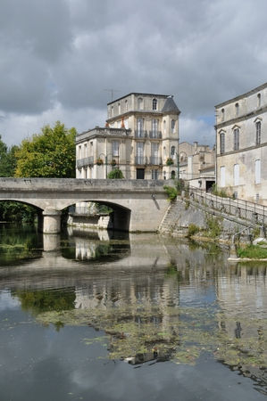 Seugne river at   Jonzac in Charente-Maritime Editöryel