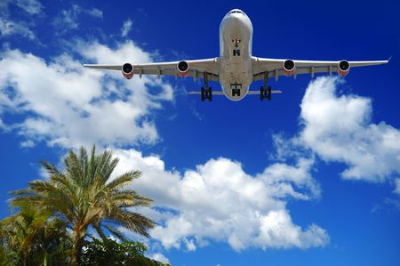 El plano es alrededor aterrizar en una destinación exótica
