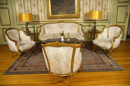 antique furniture: Elegant room with antique furniture