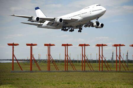 takeoff: Jumbo in decollo dall'aeroporto.  Archivio Fotografico