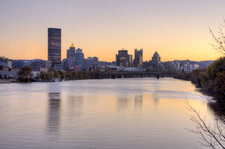 Allegheny river leading up to the skyline of Pittsburgh, Pennsylvania Stock Photo - 17846061