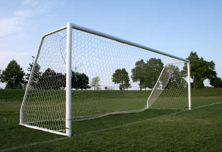 A vacant soccer goal. Banque d'images