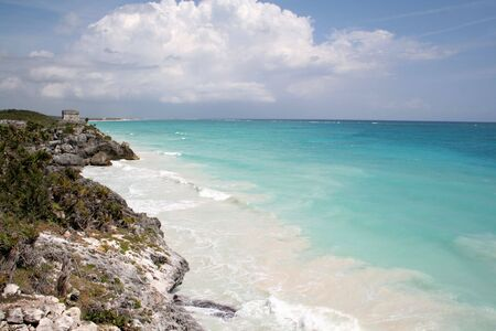 A shot of the Tulum ruins and beautiful turquoise Caribbean Sea. (Mayan Ruins, Mexico) Stock Photo - 3012032