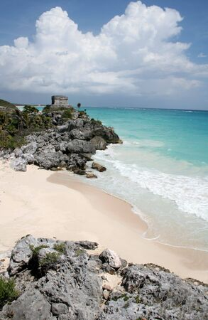A shot of the Tulum ruins and beautiful turquoise Caribbean Sea. (Mayan Ruins, Mexico) Stock Photo - 3051503